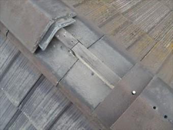 強風で倒壊した瓦屋根の棟の取り直し