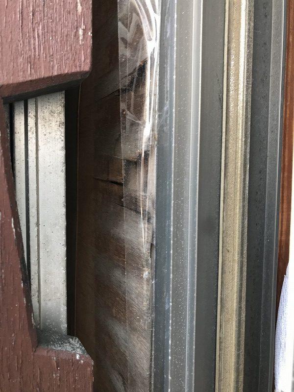 高崎市の住環境改善助成金で直す予定の内側のベニヤが傷んだ戸袋