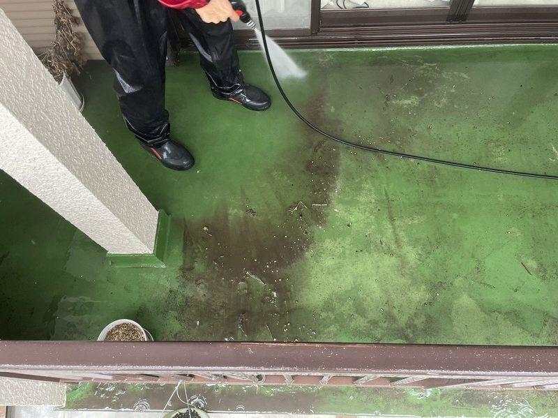 ベランダ床の洗浄