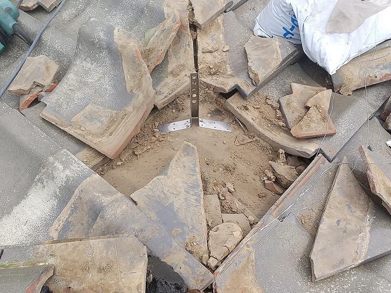 高崎市の住環境改善助成金を使い日本瓦の棟瓦の積み直し工事②