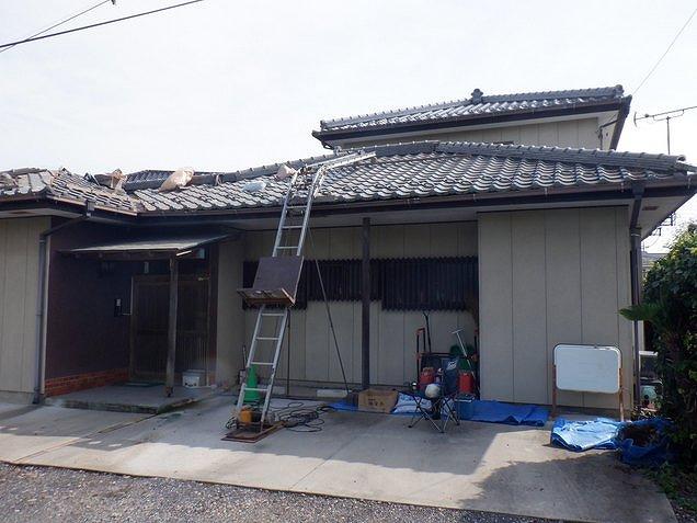 屋根材荷揚げ機