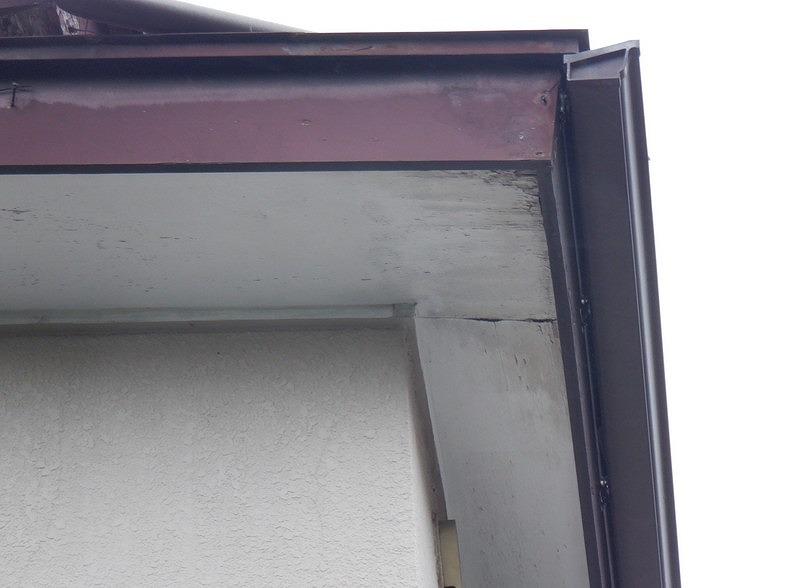 破風板と鼻隠し板と軒天井
