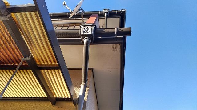 軒天井東角の表面の剥がれ