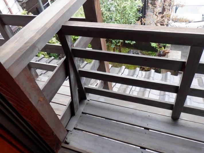 木製手すりの塗装の劣化