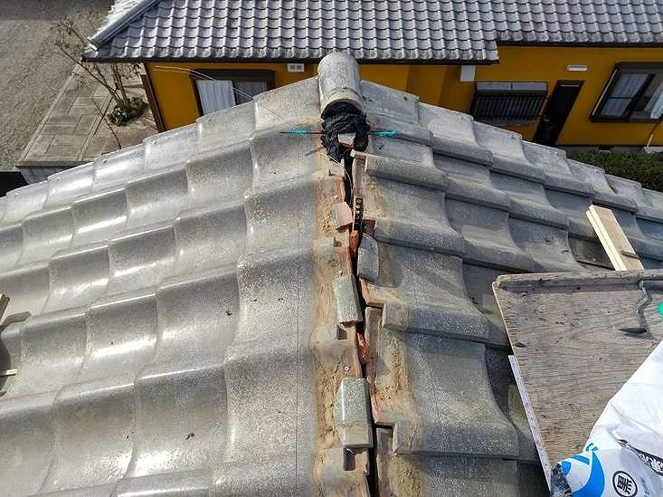 棟瓦を積むための水糸