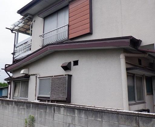 高崎市で塗膜の傷んだ破風板や軒天井など屋根周りの塗装見積り