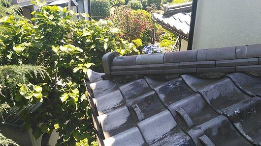 高崎市で日本瓦の屋根の隅棟の漆喰や塗り土の状態を調査しました