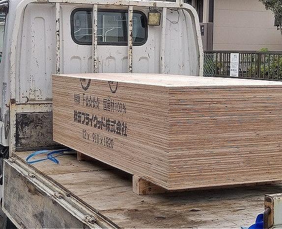 トラック荷台の野地板