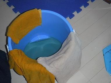 雨漏り用のバケツ