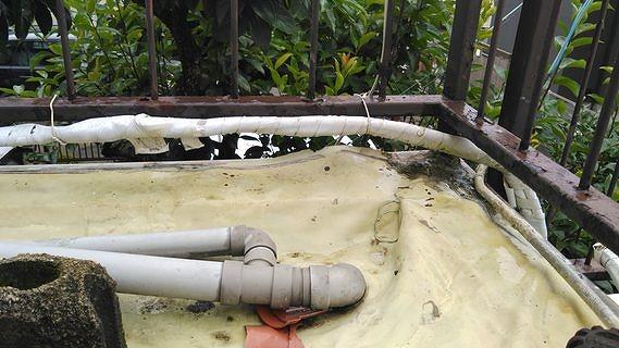 たわんでしまった防水シート