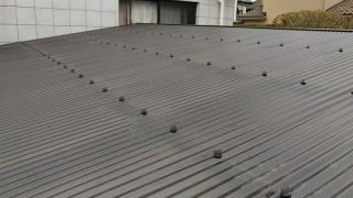 ポリカーボネート製の波板でカーポートの屋根張り替え完成