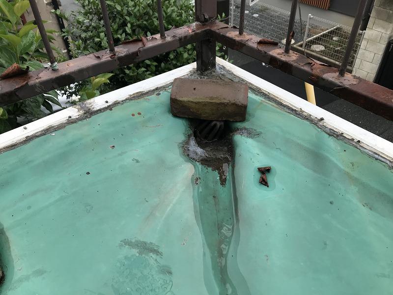 防水シートの排水口