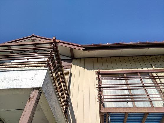 2階の軒天井の剥がれ真下から
