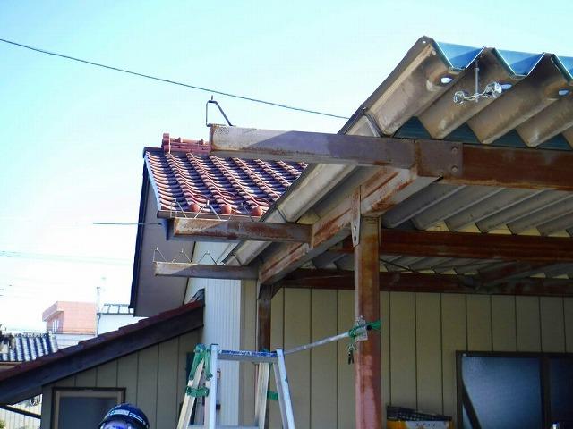 車庫の折板屋根を外した状態