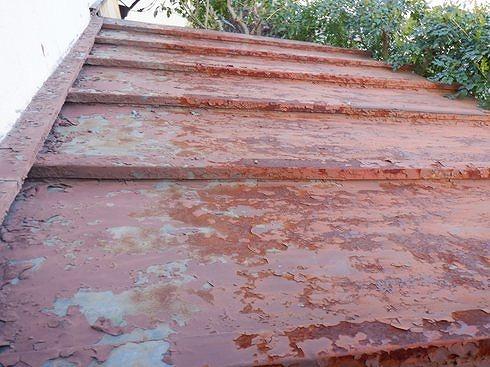 トタンの瓦棒屋根