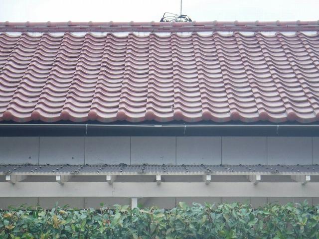 家の南側正面雨樋変形