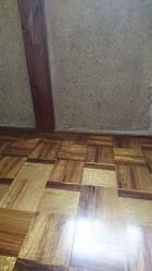 横風のある時に雨水が入った床の部分