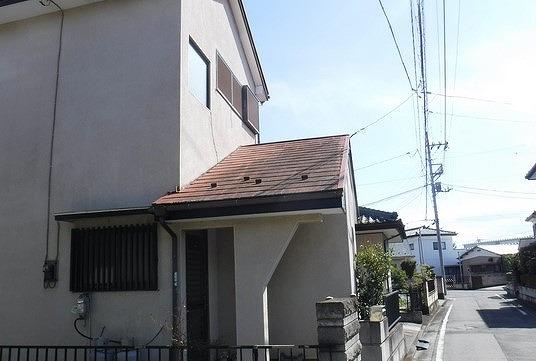 高崎市でスレートの屋根の瓦や棟板金やベランダを調査しました