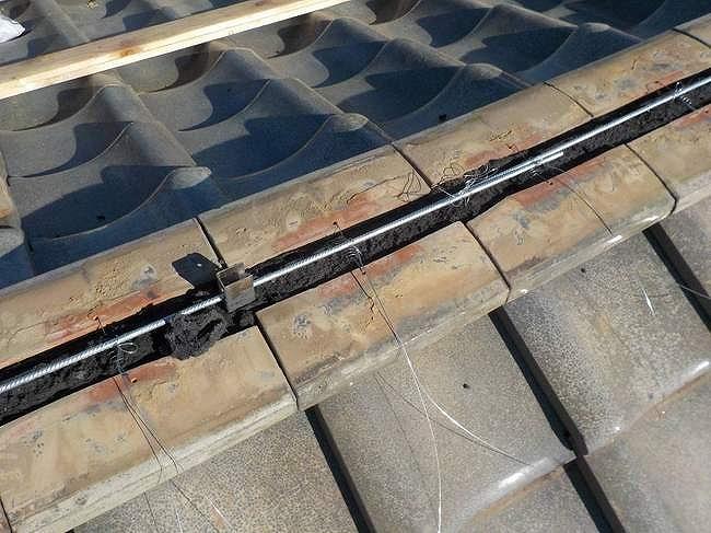 耐震棟金具とステンレスの棒