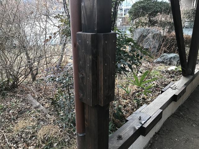 車庫の屋根の継ぎ足し柱補強
