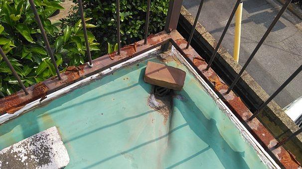 バルコニーの防水シートの排水口