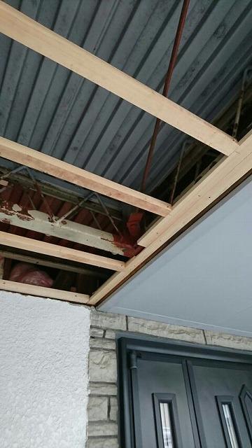 ベランダの軒裏にケイカル板を張るための下地木材