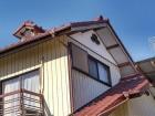 2階東の破風板の塗装の膜の剥がれ