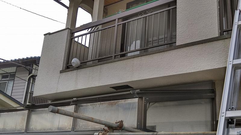 高崎市でひび割れのある外壁や曲がった雨樋やずれた冠瓦や平瓦