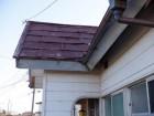 玄関のトタン屋根