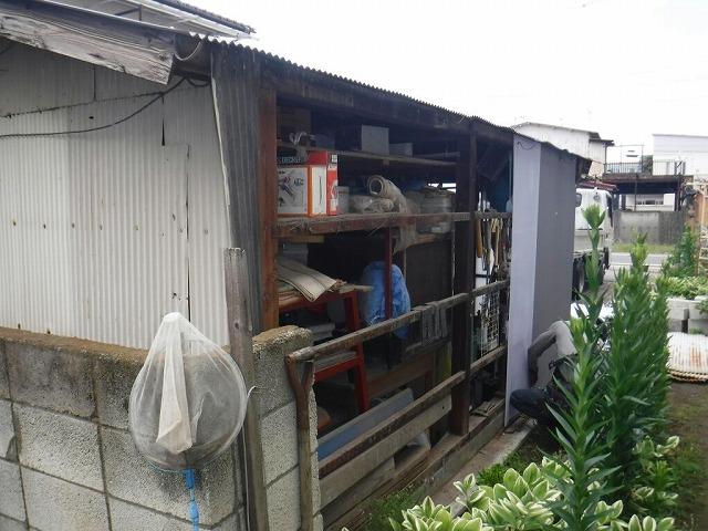 農機具小屋の壁面の波板付け始め