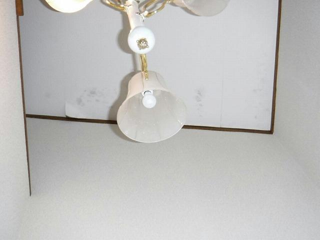 玄関天井の雨のシミ