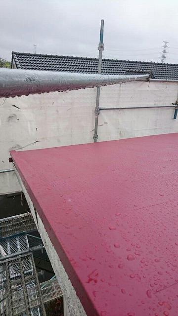 屋根にガルバリウムカラー鋼板を横葺き