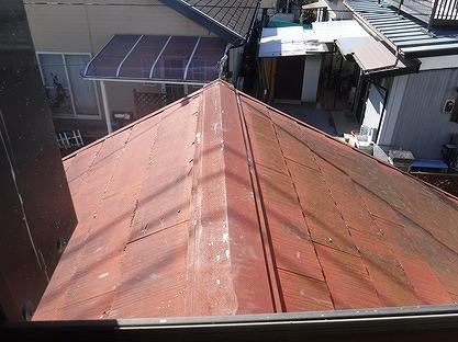棟板金の塗膜の剥がれ
