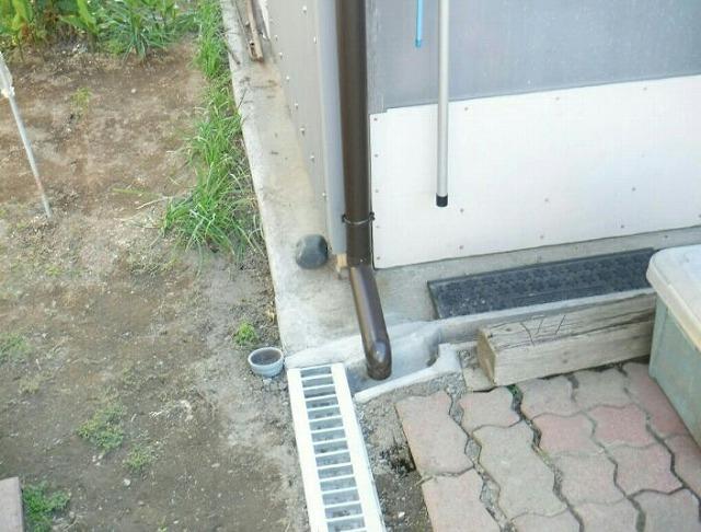 雨樋と側溝のつなぎこみ完成