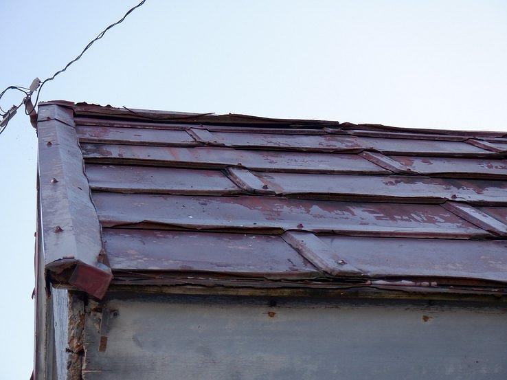 トタン屋根の傷み近景
