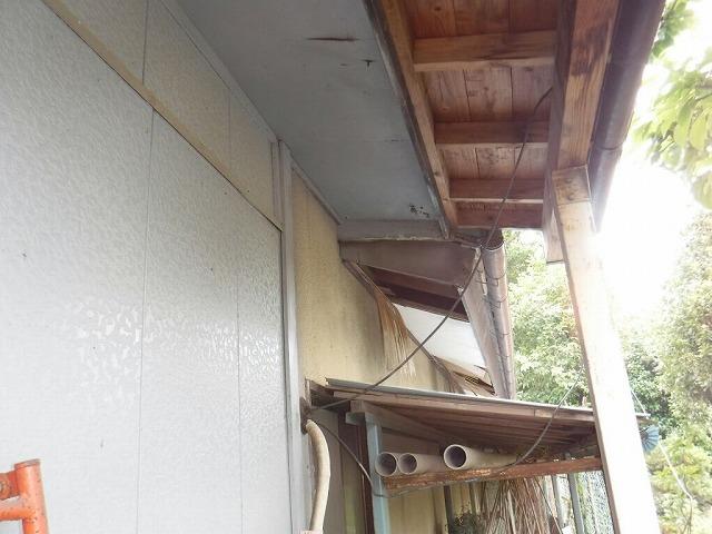 軒天井の剝がれ