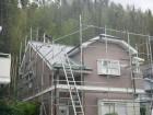 屋根に防水シート張っているところ