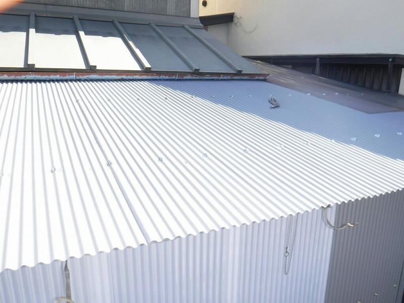 小屋波板屋根