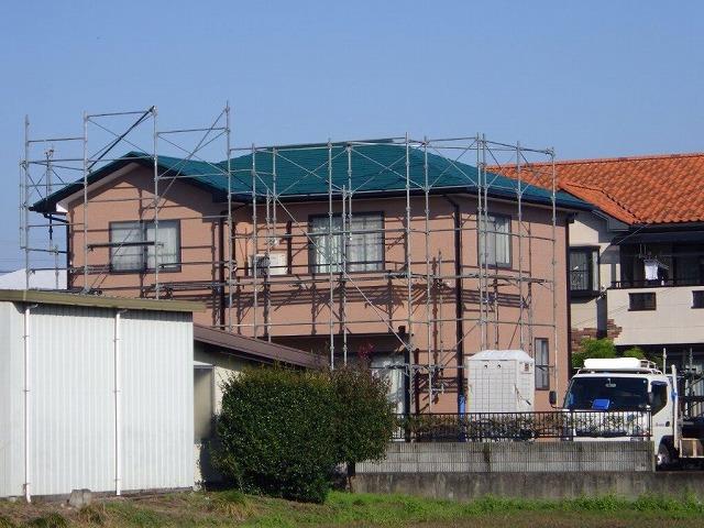 屋根と足場の塗装完了後の足場の解体