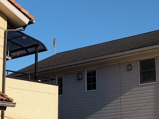 2階のスレートの屋根北側