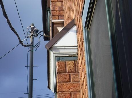 西側出窓の木部の塗装の傷み