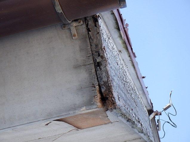 破風板の腐食
