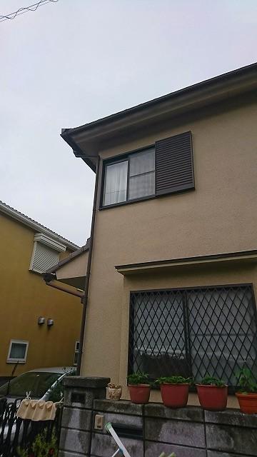 横から見た家の全景