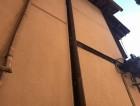 コーキングの仕上がり柱の左側