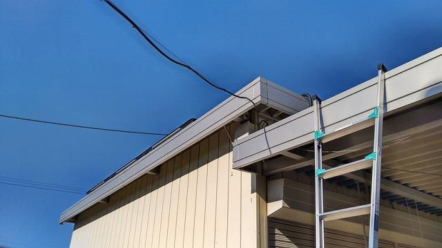 物置と車庫の破風板