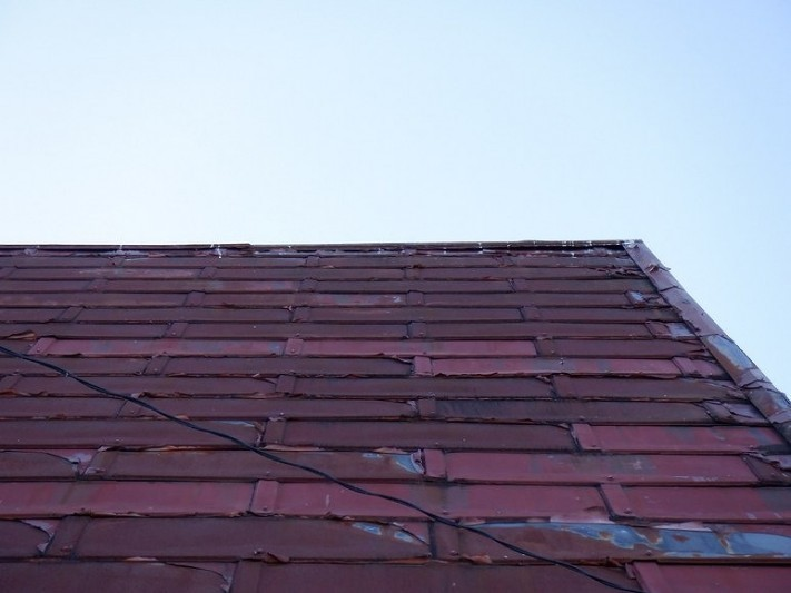 トタン屋根の棟板金の浮き