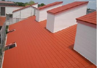 新たな塗装で生まれ変わった屋根